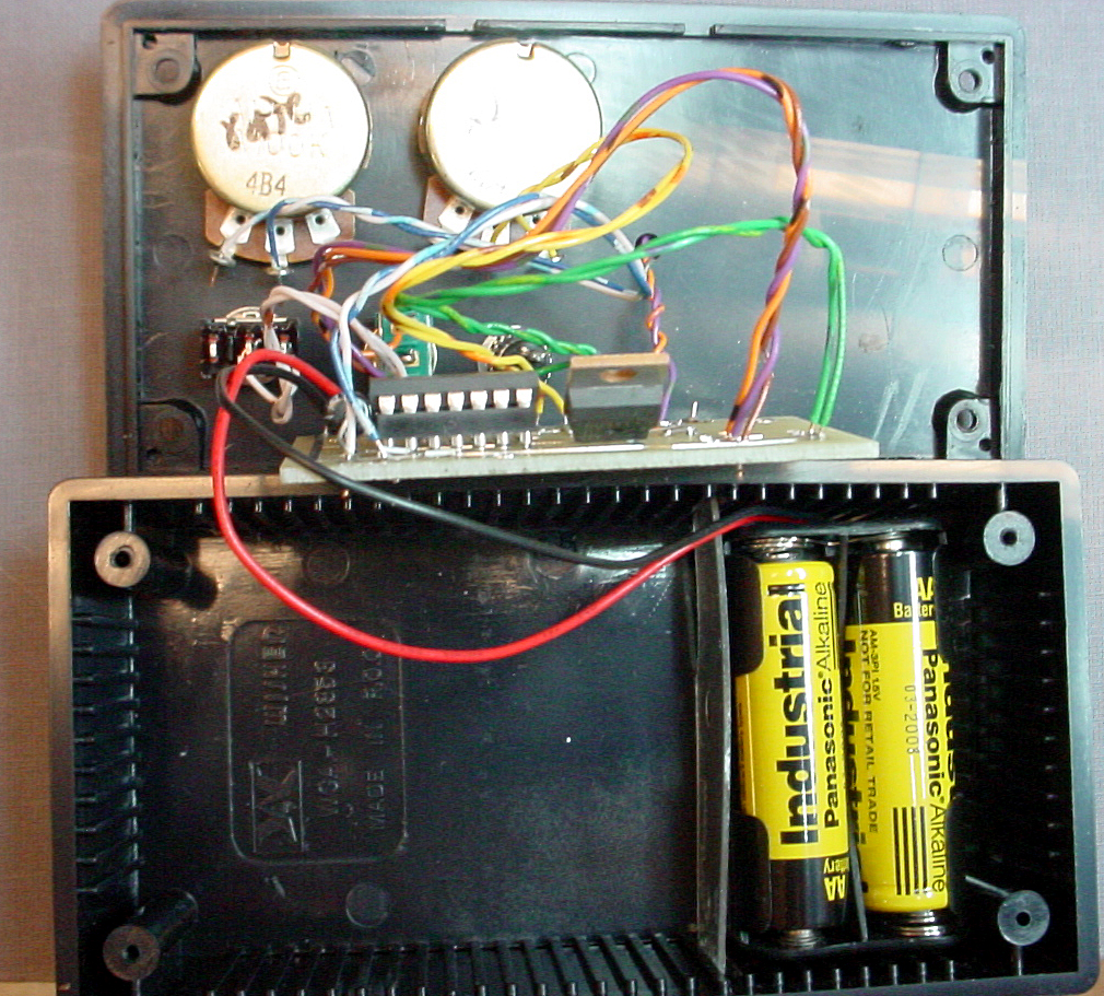 Led 555 Timers Bright Strobe Circuit Diagram Of High Brightness The Battery Holder Was Secured By A Small Plastic Strip Jammed Into Slots On Sides Box