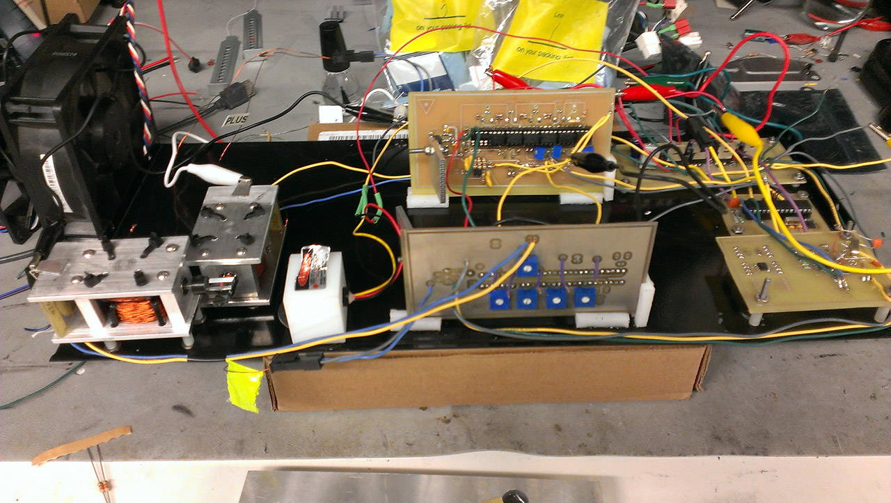 Ece 4760 Final Project Lm675 In Ac Current Source Application General Purpose Amplifier All Of The Hardware For Projector Is Mounted To A Single Metal Tray Salvaged Can Be Seen Right With Mechanical And Electrical