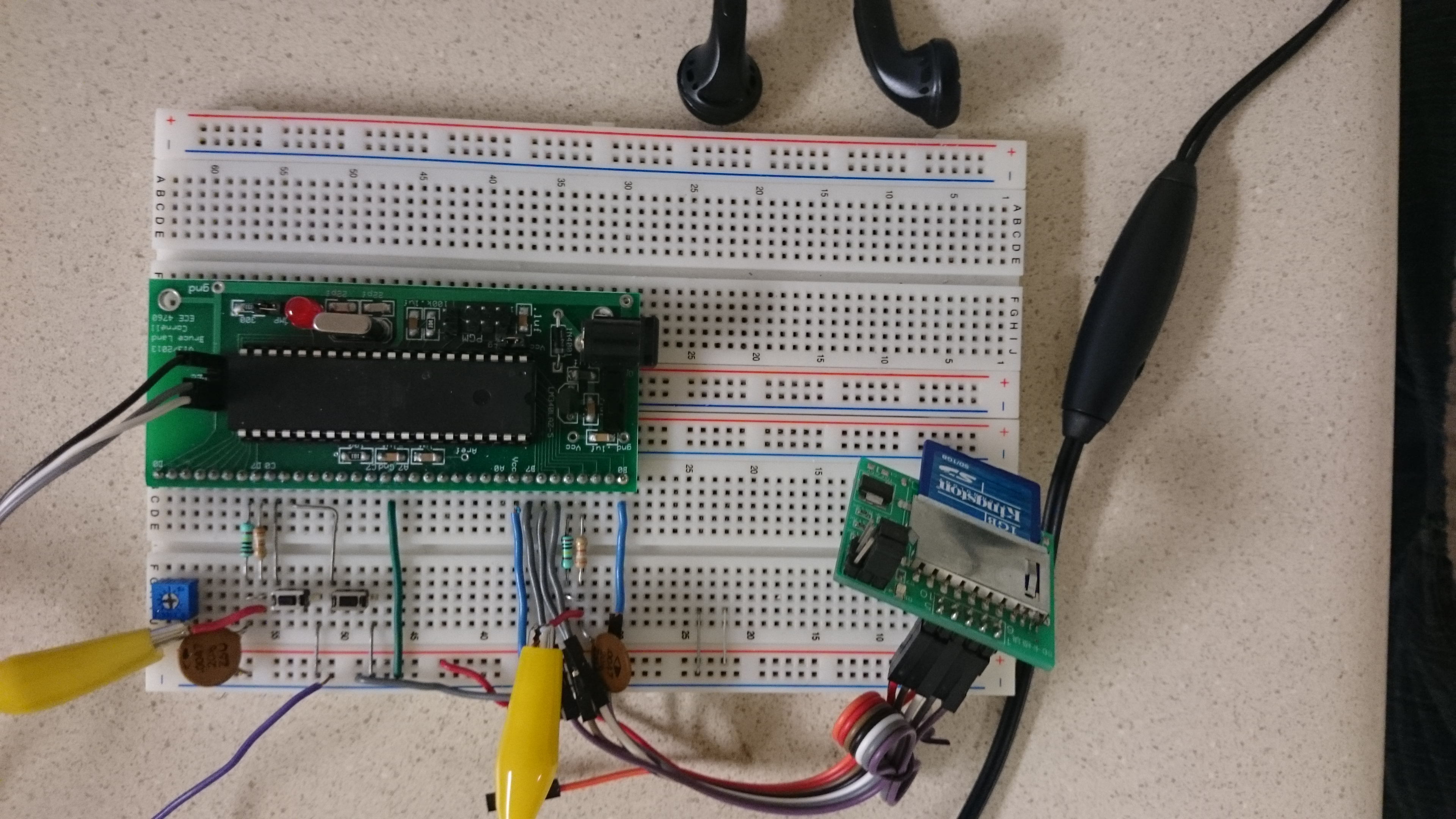 Ece 4760 16 Bit Stereo Wave Player The Hardware Is Implemented By Using A Avr Atmega88 Microcontroller Final Foot And Wrist Modules